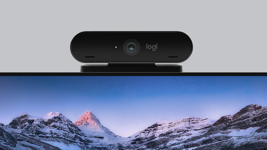 4K PRO MAGNETIC WEBCAM mounted on Apple Pro Display XDR monitor